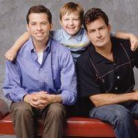 """Em """"Two and a Half Men"""": Final da 12ª temporada aumentam as possibilidades de Charlie Sheen voltar!"""