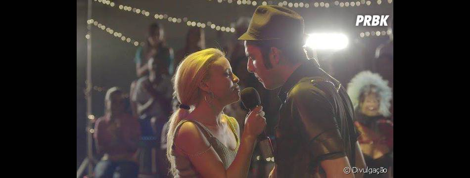 """""""Amor, Plástico e Barulho"""" é uma produção nacional que retrata a jovem dançarina Shelly (Nash Laila)"""