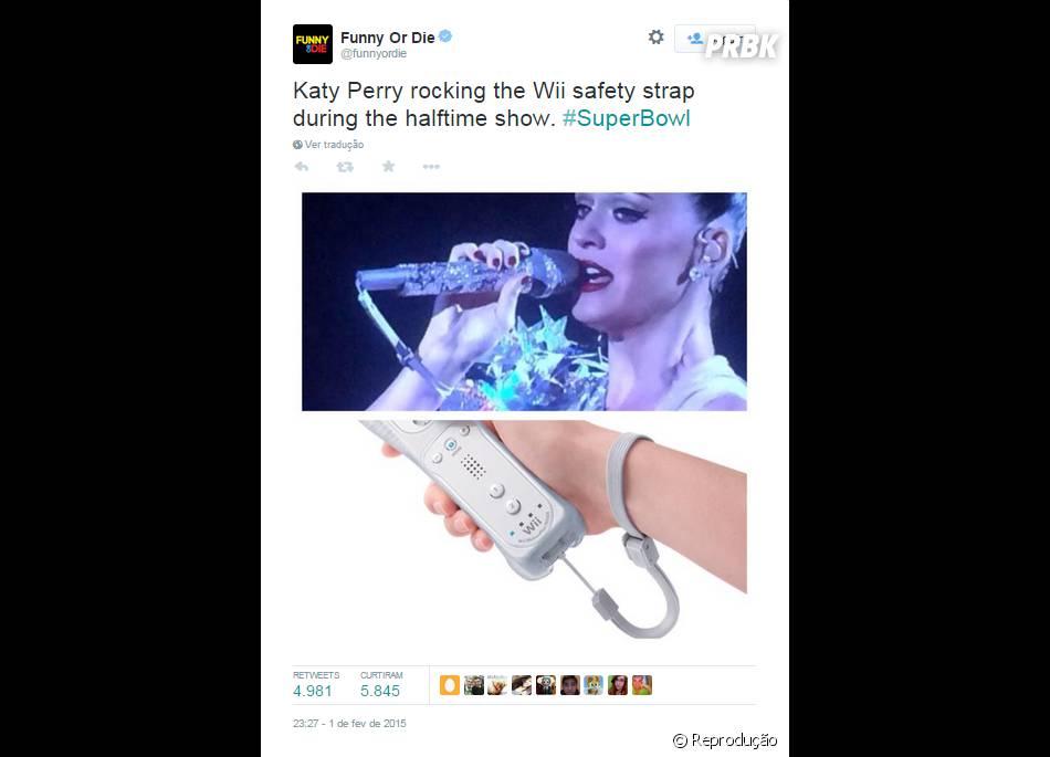 Nem o microfone de Katy Perry fugiu escapou das comparações