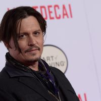 "Johnny Depp (Jack Sparrow) machuca a mão e atrasa filmagens de ""Piratas do Caribe 5"""