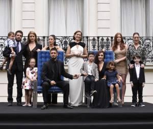 """O último capítulo de """"Império"""", da Globo, termina com tradicional foto da família Medeiros!"""