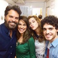 """De """"Alto Astral"""": Sophia Abrahão posta foto com Fabio Audi e sua família na novela da Globo!"""