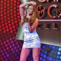 "Giovanna Lancellotti e elenco de ""Alto Astral"" soltam a voz em final de concurso"