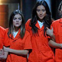 """Em """"Pretty Little Liars"""": No season finale, sangue, dor e muitos mistérios vão acontecer!"""