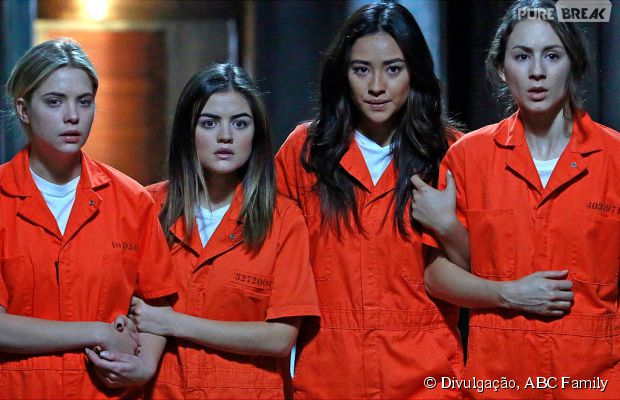 "Será que Aria (Lucy Hale), Spencer (Troian Bellisario), Emily (Shay Mitchell) e Hanna (Ashley Benson) vão sair vivas do season finale de ""Pretty Little Liars""?"