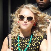 """""""The Carrie Diaries"""": veja a nova Samantha e fotos da gravação da 2ª temporada!"""