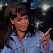 """Rihanna faz pegadinha cantando """"Bitch Better Have My Money"""" para o apresentador Jimmy Kimmel"""