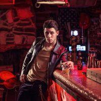 Nick Jonas posa galã para a revista GQ e fala sobre relação com os irmãos Joe e Kevin!