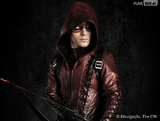 "Colton Haynes, o Roy, deixou o elenco regular de ""Arrow"""