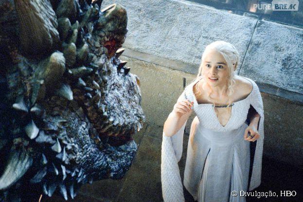 """Daenerys (Emilia Clarke) está sofrendo em """"Game of Thrones"""""""