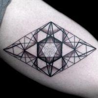59 tattoos geométricas para você se inspirar e arrasar com um desenho dessa técnica!