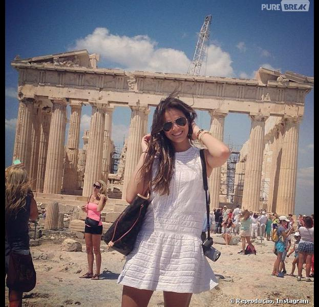 """Em julho de 2013, Bruna Marquezine resolveu viajar e tirar umas férias depois de seu trabalho como Lurdinha em """"Salve Jorge"""". Junto dela, estavam a rainha dos baixinhos Xuxa e sua filha, Sasha"""