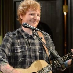 """Ed Sheeran gay? Cantor beija personagem da série """"Undateable"""" em participação especial ao vivo!"""