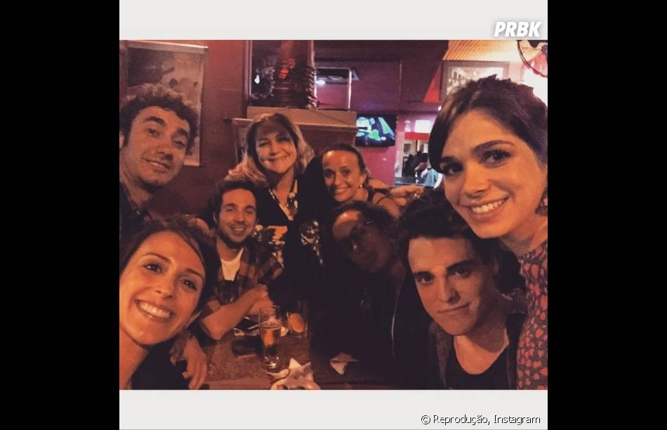 """Sabrina Petraglia se reúne com colegas de elenco da novela """"Alto Astral"""""""