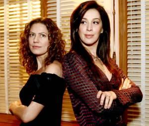 """Em """"A Favorita"""", as antigas rivais Flora (Patrícia Pillar) e Donatella (Cláudia Raia) passam a novela inteira tentando se vingar uma da outra! Quem será a verdadeira mocinha?"""