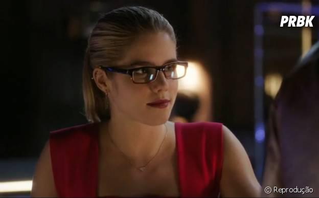"""E a Felicity (Emily Bett Rickards) que passou de participação especial para a mocinha protagonista de """"Arrow""""?"""