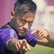Neymar Jr. comemora título na Liga das Campeões trocando beijos com morena em festa, diz colunista