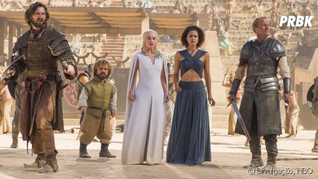"""Tyrion (Peter Dinklage) se tornou o novo conselheiro de Daenerys (Emilia Clarke) em """"Game of Thrones"""""""