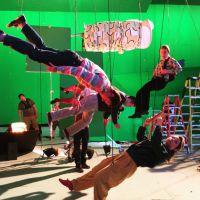 """De """"X-Men: Apocalipse"""": nova foto revela preparação para cena do Mercúrio, personagem de Evan Peters"""