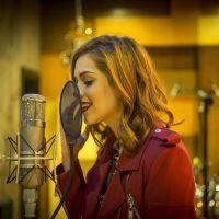 Sophia Abrahão volta aos estúdios para gravar músicas novinhas em folha. Preparem-se, tirulipos!