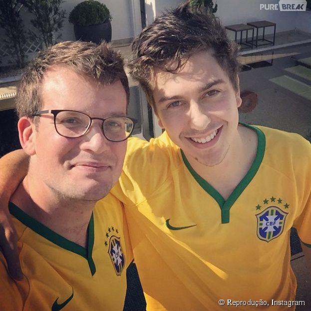 """John Green e Nat Wolff estão no Brasil para divulgar """"Cidades de Papel"""""""