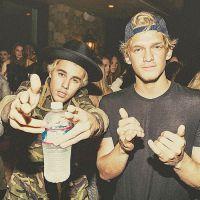 Justin Bieber e Cody Simpson desistem de lançar álbum de duetos e fãs lamentam nas redes sociais!