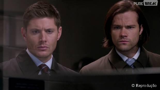 """Em """"Supernatural"""", Dean (Jensen Ackles) e Sam (Jared Padalecki) lutam juntos outra vez!"""