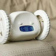Hora de acordar? Conheça os despertadores mais inusitados para os dorminhocos de plantão
