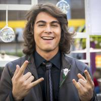 """Rafael Vitti, de """"Malhação"""", pratica slackline e posta foto do momento radical no Instagram"""