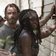 """Em """"The Walking Dead"""": na 5ª temporada, cena deletada mostra Rick e Michonne em papo sobre armas!"""