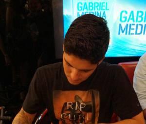 Atencioso, Gabriel Medina fez questão de atender a todos e ainda trocar algumas palavrinhas com os fãs
