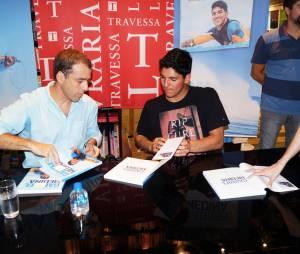 O escritor Túlio Brandão vêm acompanhando o Gabriel Medina desde o início da carreira