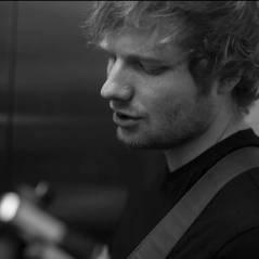 Ed Sheeran tatua um leão gigante no peito e mostra no Instagram