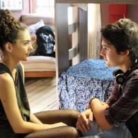"""Em """"Malhação"""": Rodrigo (Nicolas Prattes) recebe cantada de Ciça, ex de seu irmão, João"""