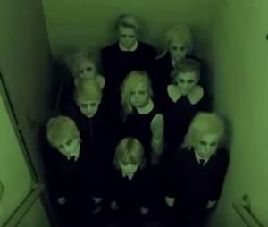 """Em """"American Horror Story: Hotel"""": novo teaser mostra grupo assustador de crianças!"""