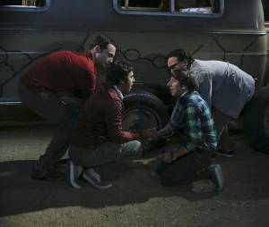 "Em ""The Big Bang Theory"", Leonard (Johnny Galecki) planeja despedida de solteiro e mais no novo trailer!"