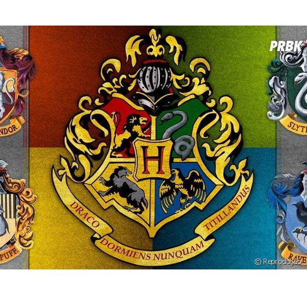 Casas de Hogwarts e seus brasões.