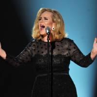 """Adele divulga data de lançamento, tracklist do álbum """"25"""" e anuncia clipe de novo single!"""