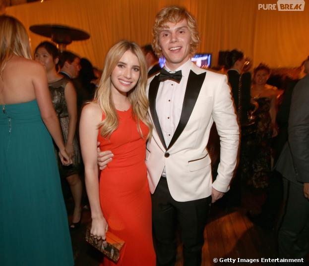 "Emma Roberts e Evan Peters vão se casar, segundo o portal ""Just Jared"""