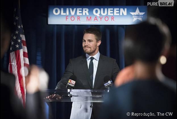 """Oliver Queen (Stephen Amell) será candidato a prefeitura de Star City em """"Arrow"""""""