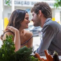 """Final """"I Love Paraisópolis"""": Benjamin (Maurício Destri) comemora ao saber da gravidez de Mari!"""