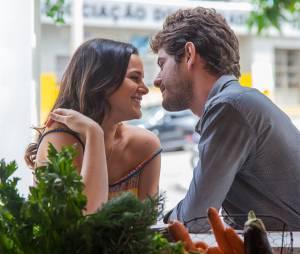 """Em """"I Love Paraisópolis"""", Ben (Maurício Destri) fica todo feliz com gravidez de Mari (Bruna Marquezine)"""