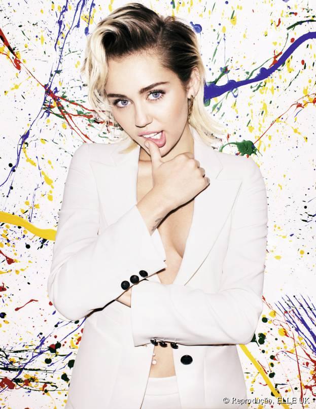 Miley Cyrus será homenageada em premiação por estar sempre apoiando a causa LGBT