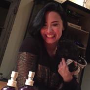 Demi Lovato surge sem maquiagem em vídeo ao comemorar 1 ano de sua marca de produtos para a pele