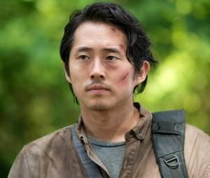 """Suspeita de que Glenn está vivo em """"The Walking Dead"""": mensagem pedindo ajuda parece a voz do oriental"""