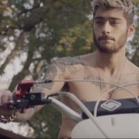 """Zayn Malik esquece One Direction, foca em carreira solo e lança prévia de música inédita: """"Befour"""""""