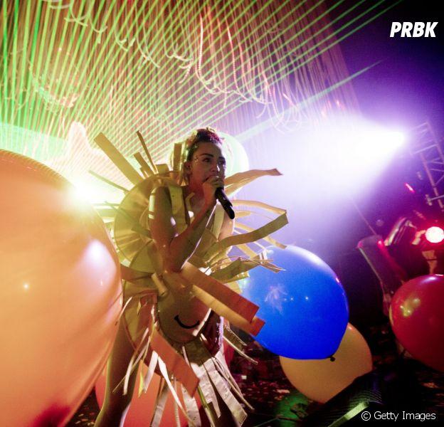 Miley Cyrus completa 23 anos! Veja como o Purebreak daria uma festa de aniversário para a cantora!