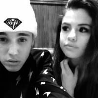 Justin Bieber e Selena Gomez juntos de novo? Astro está preparando um presentão de Natal pra ela