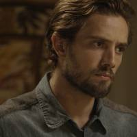 """Te contei? Novela """"Além do Tempo"""": Felipe conta para Melissa que está apaixonado por Lívia!"""