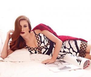 Marina Ruy Barbosa fica gata em qualquer pose, na cama então!